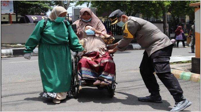 Aksi Heroik Waka Polres Muara Enim, Amankan Proses Persalinan Saat Tragedi Kebakaran RSUD HM Rabain