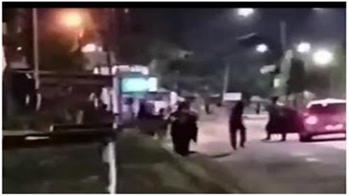 Tawuran di Kertapati, Bangunkan Sahur 2 Kelompok ABG Perang Petasan, Saling Lempar di Jalan