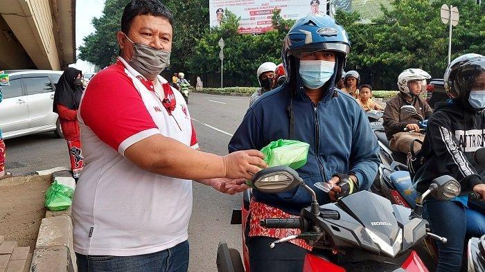 Bagikan 55555 Paket Nutrisi Buka Puasa dari Sabang-Merauke, Alfamart dan Bebelac Pecahkan Rekor Muri - alfamart-dan-bebelac-bagi-berbuka-puasa-di-seluruh-wilayah-indonesia-1.jpg