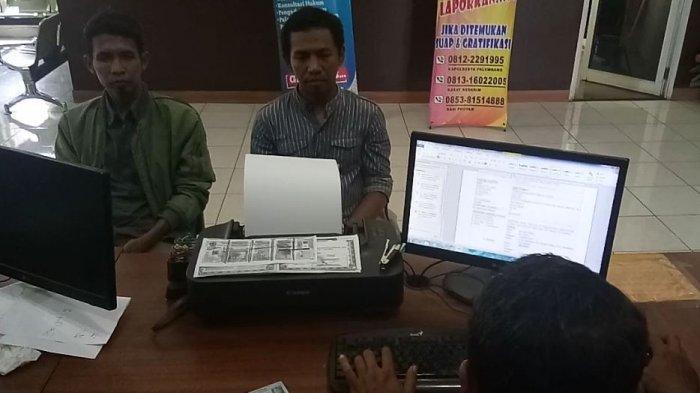 Berhenti Pakai Jas Hujan, Amri Dibegal 3 Pria Pakai Pedang Panjang di Kenten Palembang