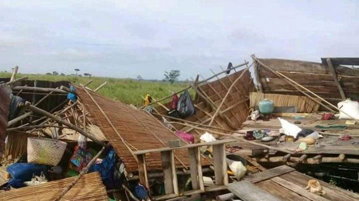 Angin Kencang Luluh-lantakkan 28 Rumah di Lubuk Keliat Ogan Ilir
