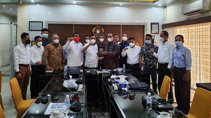 HM Antoni Toha Pererat Hubungan Peradi Palembang dan Perguruan Tinggi