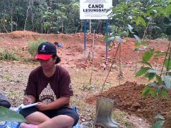 Balai Arkeolog Lanjutkan Penelitian Candi Lesung Batu.