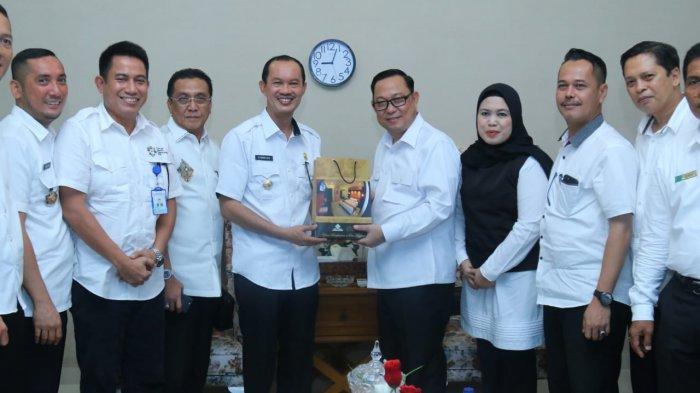 Dirut Swarna Dwipa Curhat ke Walikota Palembang Harnojoyo