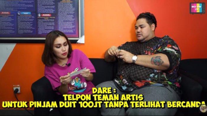 Ayu Ting Ting bersama Ivan Gunawan saat ditantang telpon rekan artis pinjam uang 100 juta