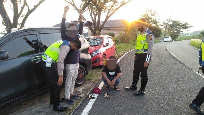 Bubarkan Balap Liar di Jalan Pemkab OKU Selatan, Polisi Temukan Ganja dan Sajam