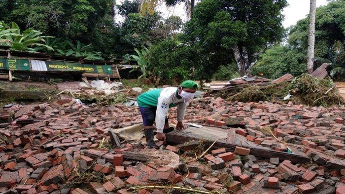 Rumah Warga Lubuklinggau Rata Dengan Tanah Akibat Diterjang Banjir Bandang