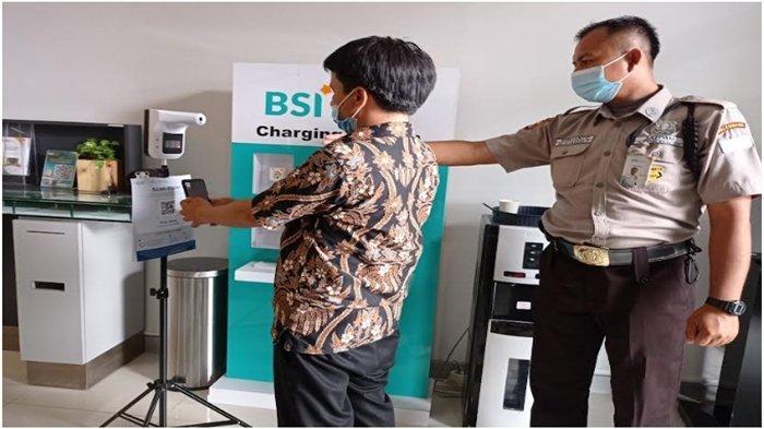 Bank di Sumsel Wajibkan Nasabah Pakai Aplikasi PeduliLindungi, Masuk Harus Scan Barcode