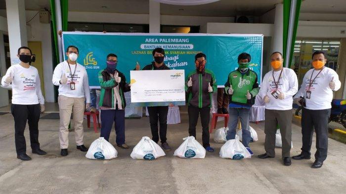 Sisikan Gaji Pegawainya, Mandiri Syariah Region II Palembang Bantu Warga Terdampak Covid-19