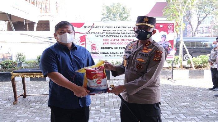Kapolda Sumsel Terima Bansos 50 Ton Beras dari Masyarakat Tionghoa Palembang Bersatu
