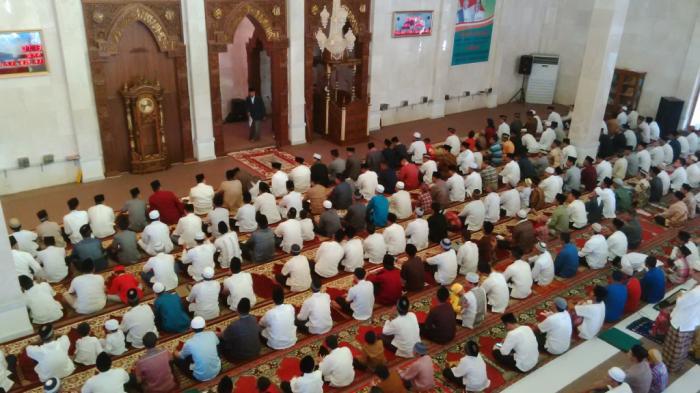 Bacaan Imam Untuk Niat Sholat Idul Fitri 1442 Hijriah, Lengkap Dengan Tata Cara Shalat