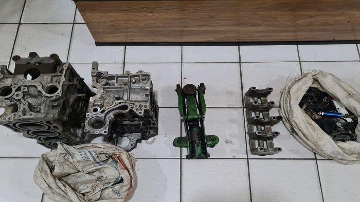 Curi Dongkrak Hingga Blok Mesin Honda Brio, Dua Remaja di Palembang Dibekuk