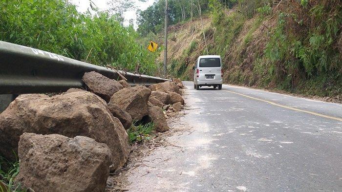 Musim Hujan, Waspadai Longsoran Batu di Jalur Utama Pagaralam-Lahat