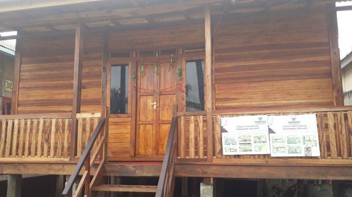 Nenek Siti Bahagia Kini Tak Kebanjiran Lagi, Bahagia Rumahnya Dibedah