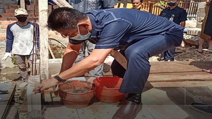 Dinas Perkebunan Provinsi Sumsel Lakukan Bedah Rumah - bedah-rumah-dinas-perkebunan-sumsel.jpg