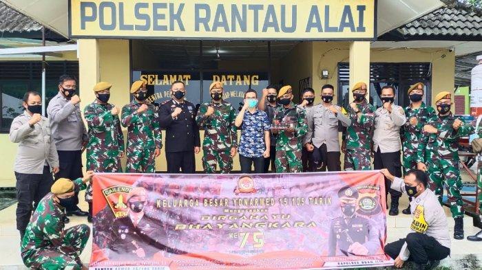HUT Bhayangkara, Kapolsek Rantau Alai Terima Giat Anjangsana Komandan Baterai Tempur C Rantau Alai