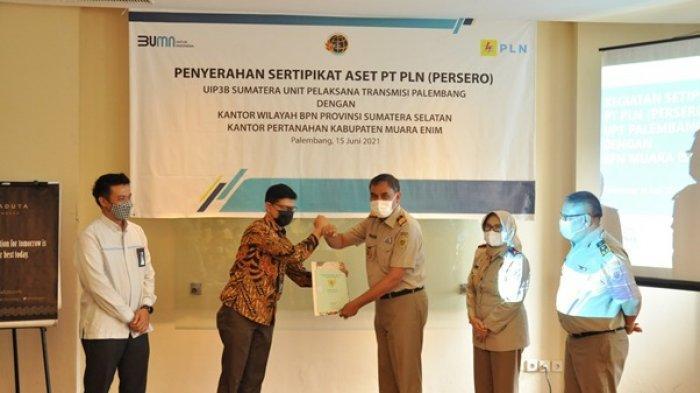 Pelihara Aset, PLN UIP3B Sumatera UPT Palembang Terima 108 Sertifikat