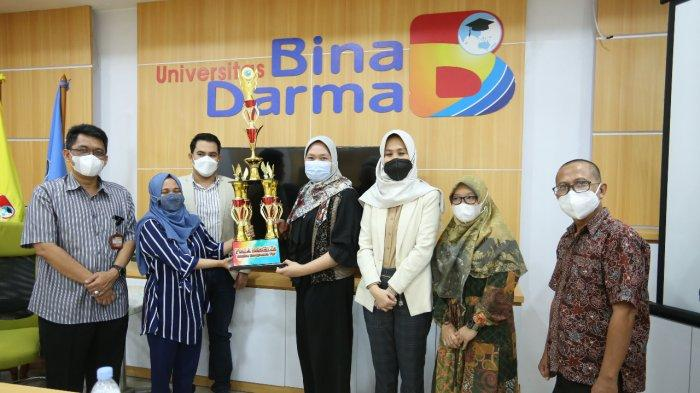 Tujuh Pemenang BP Competition Dapat Hadiah dari Rektor Bina Darma Sunda Ariana