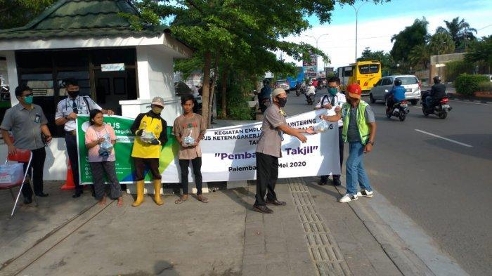 Ingin Masyarakat Rasakan Kehadirannya, BP Jamsostek Bagikan 200 Takjil