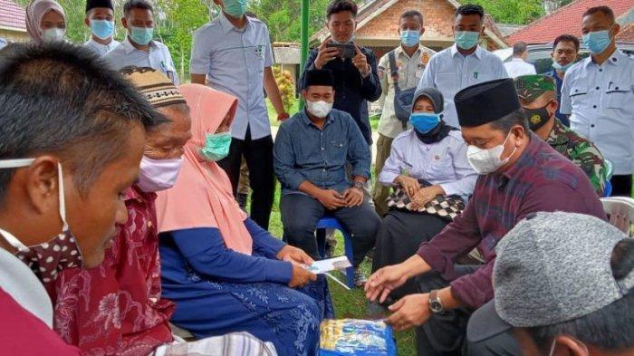 Bupati Temui Keluarga Korban Keganasan Buaya Di Desa Santan Sari Kecamatan Sembawa