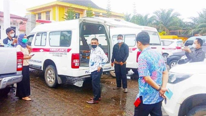 Kumpulkan Mobil Ambulans di Kantornya, Bupati Muratara Devi Suhartoni: Tolonglah Dirawat