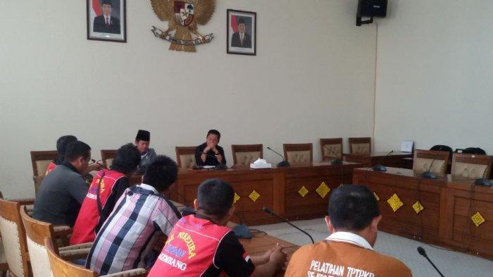 2 Bulan Upah Lembur Tak Dibayar, Buruh Outsourcing PTPN Cinta Manis Mengadu ke DPRD Ogan Ilir