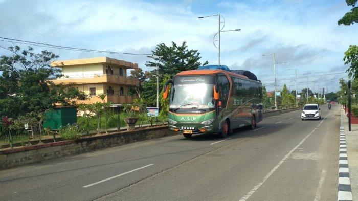 Bus Angkutan Umum Masih Melintasi Jalinsum Sumsel-Jambi di Muratara, Diyakini Belum Ada Pemudik