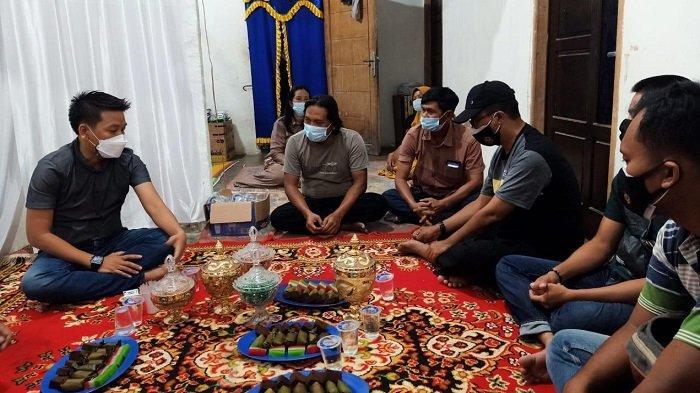 Camat Jirak Jaya MUBA Temui Calon Pengantin,Tegaskan Boleh Nikah Tapi Tidak Resepsi