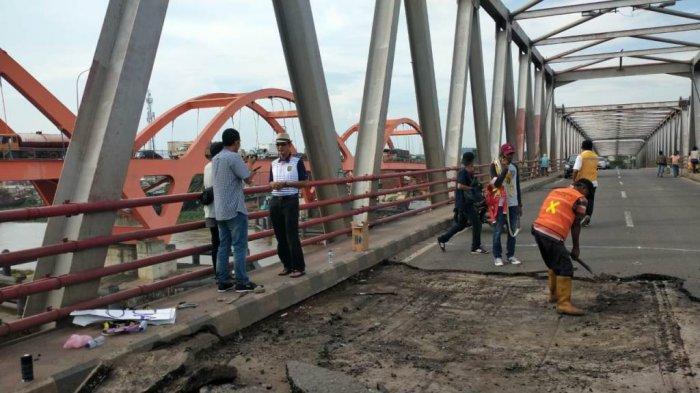 H Harnojoyo Cek Langsung Kerusakan Jembatan Musi II