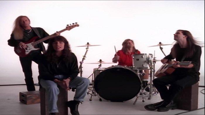 Nostalgia Lagu Lawas, Ini Chord Gitar Mr Big-Wild World : Oh Baby Baby Its a Wild World