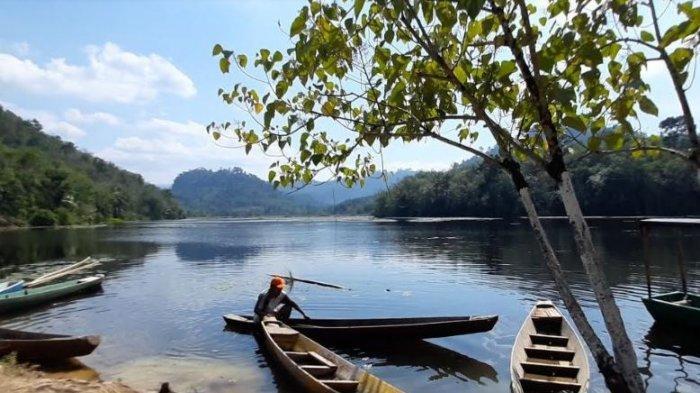 Asyiknya Mancing Sambil Menikmati Keindahan Alami Danau Bukit Layang Muratara, Ini Cara ke Sana