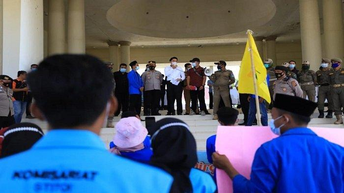 Massa PMII Geruduk Kantor Bupati OI, Minta Penertiban Tempat Hiburan hingga Minimalisir Korupsi
