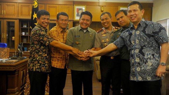 Gubernur Herman Deru Instruksikan Bupati & Walikota Standby di Daerah, Tanggap Bencana