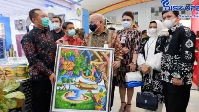 Pemerintah Kabupaten Ogan Komering Ilir (OKI) melalui Dinas Koperasi, UKM, dan Perindustrian (Diskoperin) turut serta dalam ajang Sriwijaya Expo 2021.