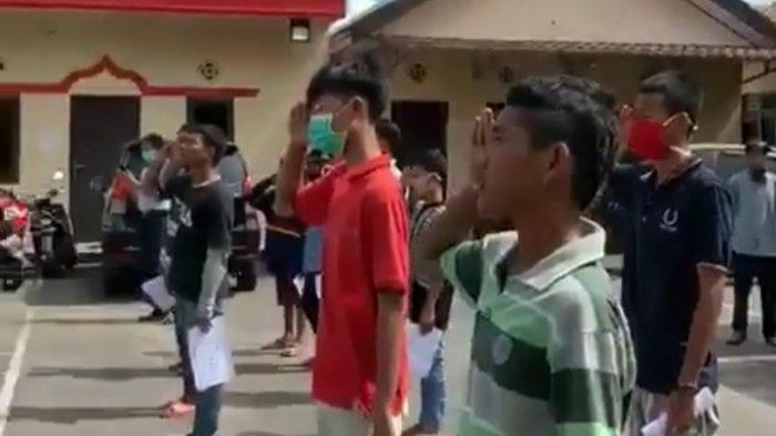 Remaja Palembang Rencanakan Tawuran, Ditangkap Lalu Dihukum Hormat Bendera