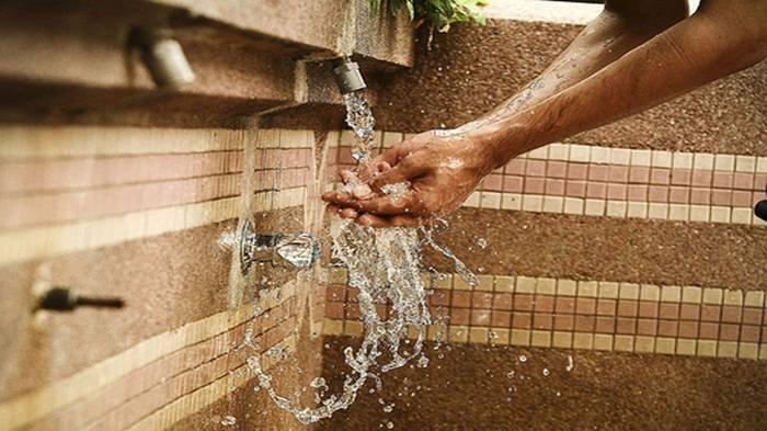 Batalkah jika Tak Sengaja Telan Air Wudhu saat Puasa ? Berikut Penjelasan Buya Yahya