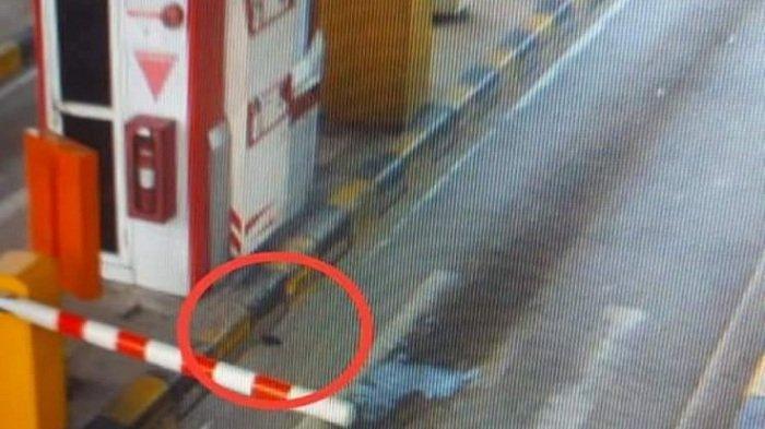 Viral Dompet Jatuh di Gerbang Tol Palindra Lalu Diambil Pengemudi Mobil Lain, Ini Kronologinya