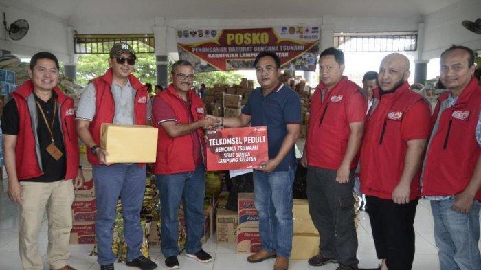 Telkomsel Salurkan Donasi Pelanggan Kepada Korban Bencana Tsunami Selat Sunda
