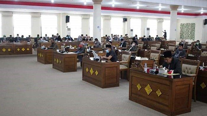 DPRD Ogan Ilir Setujui Empat Rancangan Peraturan Perundang-undangan dari Pemkab Ogan Ilir - dprd-ogan-ilir-setujui-empat-rancangan-peraturan-perundang-undangan-dari-pemkab-ogan-ilir-1.jpg