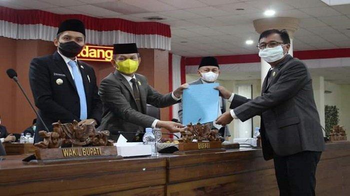 DPRD Ogan Ilir Setujui Empat Rancangan Peraturan Perundang-undangan dari Pemkab Ogan Ilir - dprd-ogan-ilir-setujui-empat-rancangan-peraturan-perundang-undangan-dari-pemkab-ogan-ilir.jpg