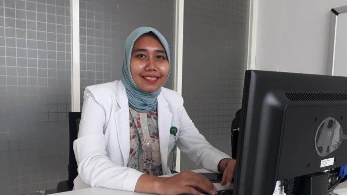Cerita Drg Menti Youlanda, dari Kecil Diarahkan Jadi Dokter Akhirnya Terwujud