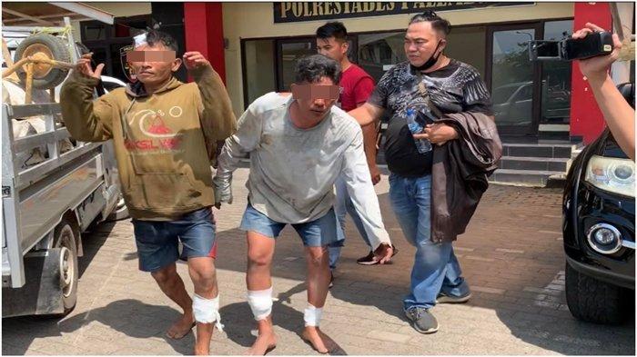 Aksi 2 Bajing Loncat Lempar Karet Curian dari Truk Ketahuan, Sempat Melawan Saat Dibekuk Polisi