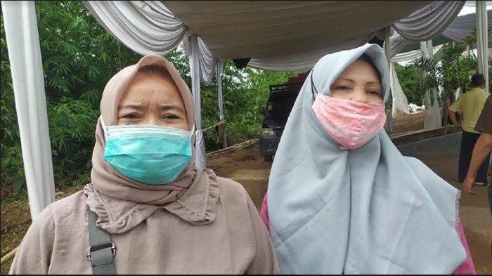 Pernah Bertemu Percha Leanpuri, Cerita 2 Warga Palembang Ziarah ke Makam Anak Sulung Herman Deru