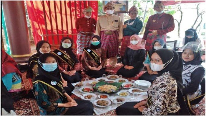 Duta Budaya Fakultas Adab dan Humaniora UIN Raden Fatah Palembang Belajar Ngidang