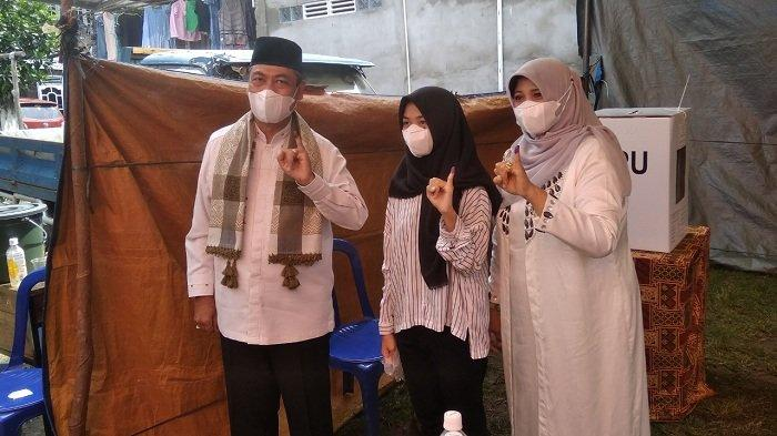 Nyoblos di Desa Meranjat, Endang PU Ishak: Kami Optimis