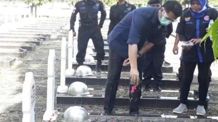 Ziarah Ke Makam Pahlawan, Garda Pemuda Nasdem Sumsel Kenang Jasa Pejuang