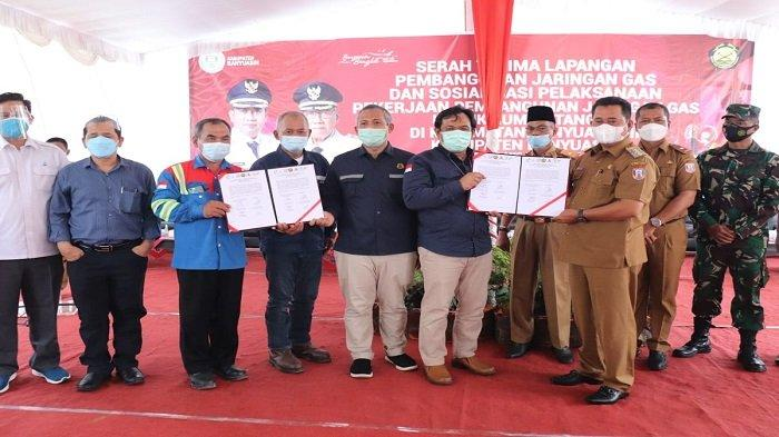Pemerintah Kabupaten Banyuasin menggelar serah terima lapangan, penandatanganan, sosialisasi pembangunan Jaringan Gas untuk warga Banyuasin III.