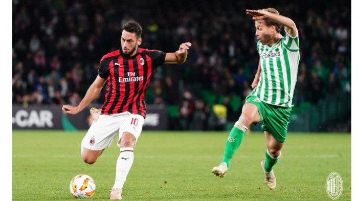 Sosok Hakan Calhanoglu Dicap Fans AC Milan Pengkhianat Usai Pindah ke Inter, Ternyata Bukan Pertama