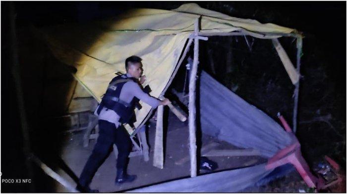 Digerebek Brimob, 15 Tersangka Judi Sabung Ayam di OI Kocar-kacir, Ada yang Nyemplung ke Sungai
