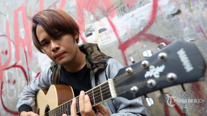 Gitar Mendiang Deddy Dores Dilelang, Untuk Biaya Berobat Istrinya yang Alami Serangan Jantung